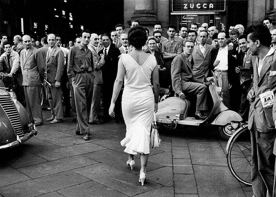 Gli Italiani si voltano (Italians Turn Around), 1954