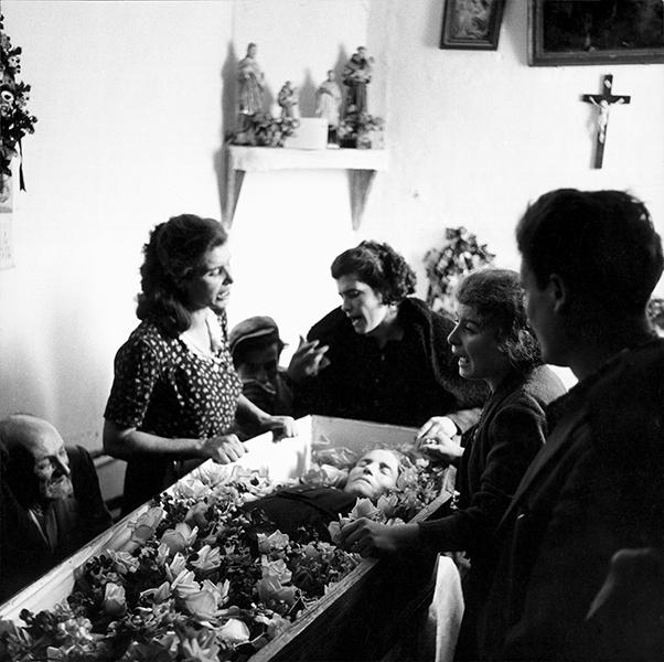 Castelsaraceno. Funeral lament, 1956