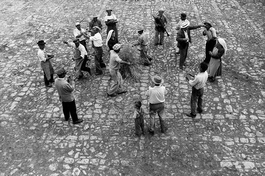 San Giorgio Lucano. The play of the sickle, 1959