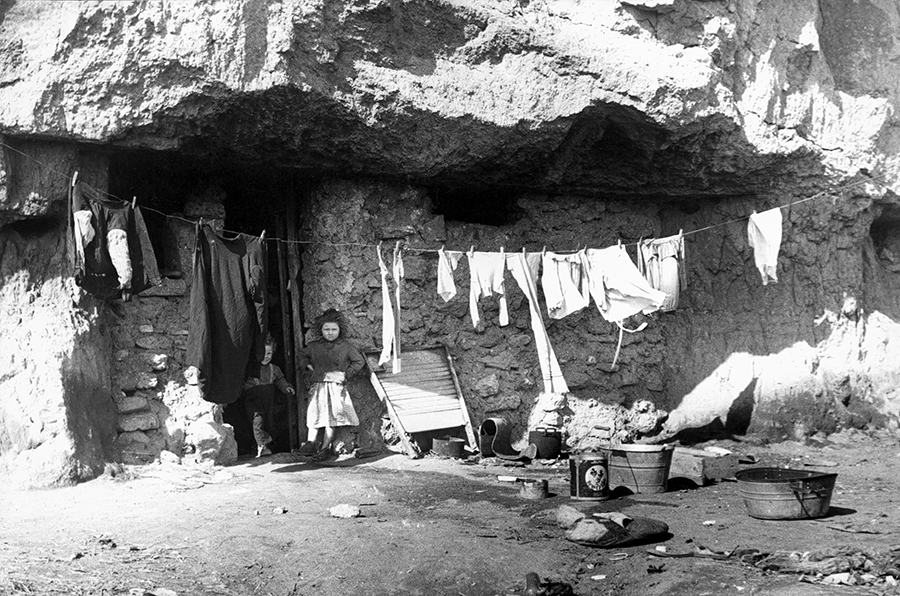 Rome. Caves of the Torraccia in Centocelle district, 1952